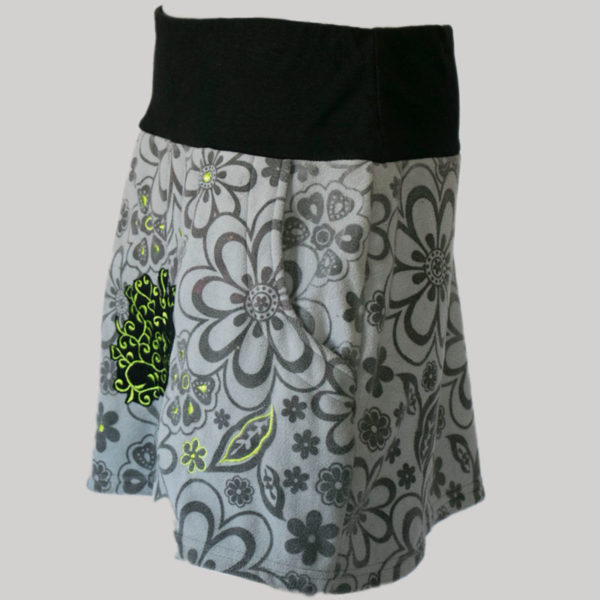 A-lined skirt polar fleece with embroidery stitches (Grey) side