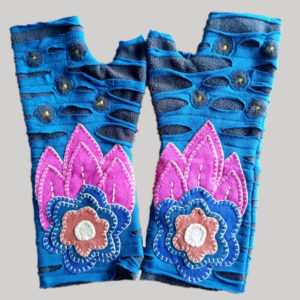 Polka-dot women's gloves with hand work (Sky Blue)