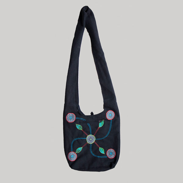 Women's garments flower embroidery side bag