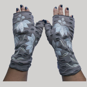 Women's gloves with asymmetrical razor & embroidery