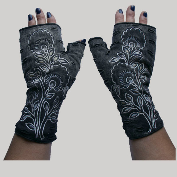 Women's gloves with stone wash and flower embroidery