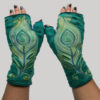 Gloves with peacock quill motif embroidery