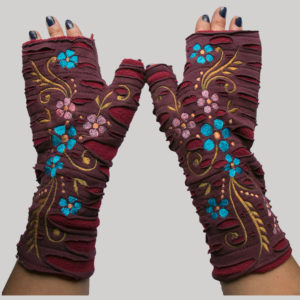 Women's gloves with vine flower embroidery