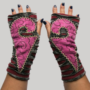 Gloves with razor & hand work for women