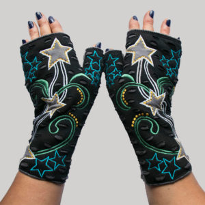 Women's gloves with star embroidery