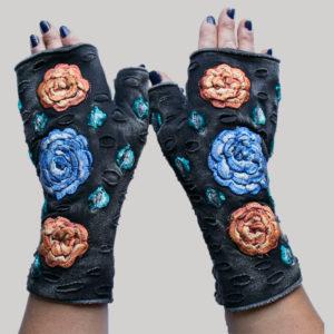 Women's gloves with velvet buds & flower embroidery