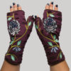 Gloves with velvet flower embroidery