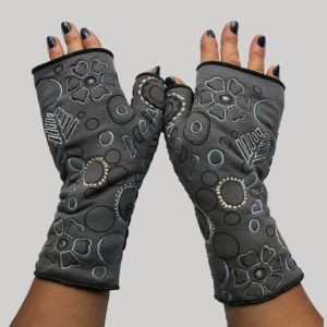 Gloves with printed outline embroidery