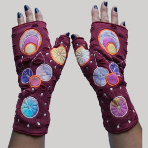 Women's gloves with round overlap embroidery