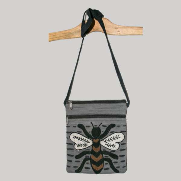 Women's passport bag with bee re